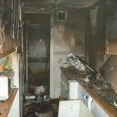 Limpieza de piso quemado tras incencio